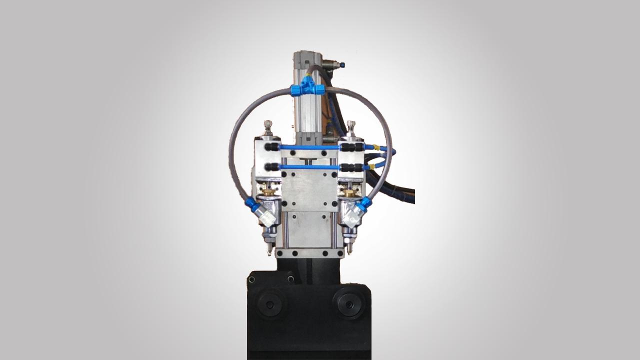 Adhesive-Duct-Dispensing-Machine-2